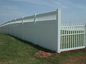 Privacy Fence with California Lattice and Straight Top Picket
