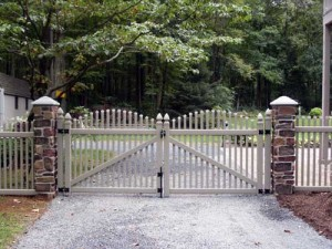 Vinyl Entrance Gate with Rock Pillars