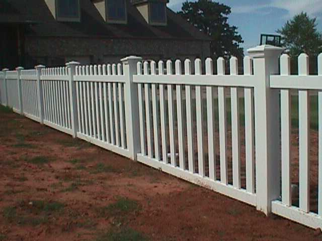 Wide picket fence midland vinyl products
